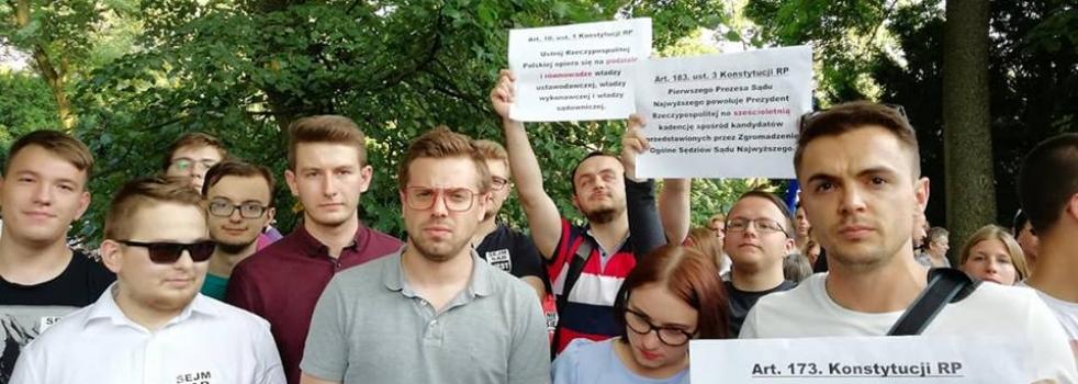 Młodzi Demokraci i Młodzi Nowocześni wspólnie przed Sejmem!
