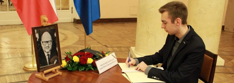 Pamięci Prezydenta Adamowicza (*)