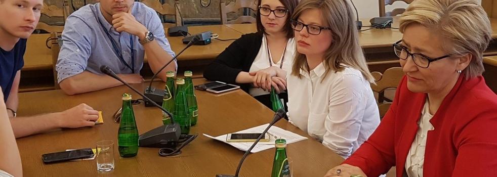 O rynku pracy w Sejmie